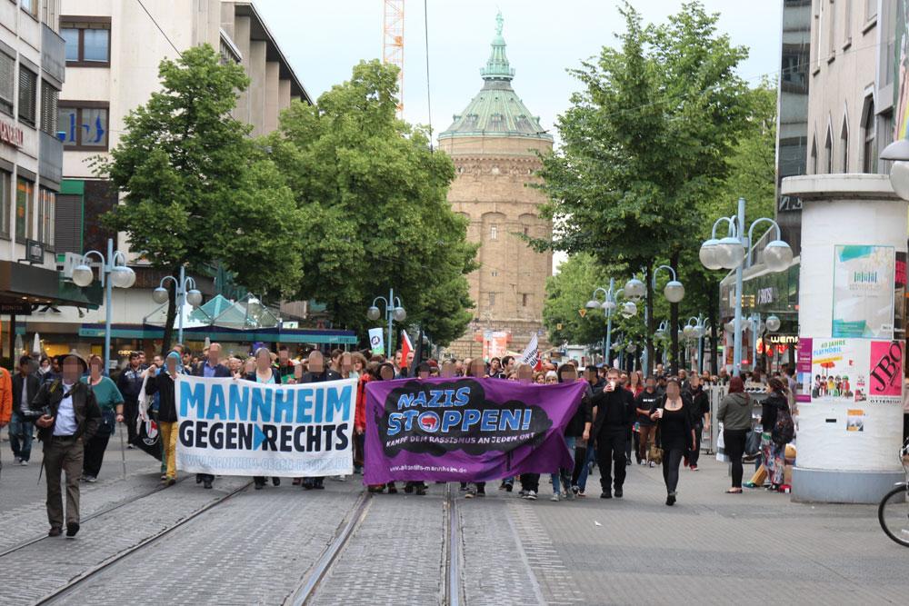 Mehr als tausend Menschen folgten dem Aufruf von Mannheim gegen Rechts