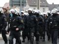 Am Donnerstag, 3. Dezember findet ein Infotreffen für Menschen statt, die nach den antifaschistischen Protesten in Ludwigshafen im Februar und in Weinheim im November von Repression betroffen sind. Die Rote Hilfe lädt für 20 Uhr ins JUZ, Käthe-Kollwitz-Str. 2-4, MA-Neckarstadt ein: Im Nachgang der Anti-Nazi-Proteste am 8. Februar 2015 in Ludwigshafen und am 21. November 2015 in Weinheim setzt der […]