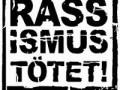 """""""Ausländer raus"""" rufe, Nazischmierereien an Flüchtlingsunterkünften, gezielte Sachbeschädigung bis hin zu Brandanschlägen ist in so gut wie allen Bundesländern in Deutschland wieder an der Tagesordnung. So erschreckend die Ereignisse in den 90er Jahren, beispielsweise in Rostock-Lichtenhagen oder Mannheim-Schönau auchwaren, das Ergebnis war die faktische Abschaffung des Asylrechts und nicht etwa ein ernst gemeinter Kampf gegen Rassismus in […]"""